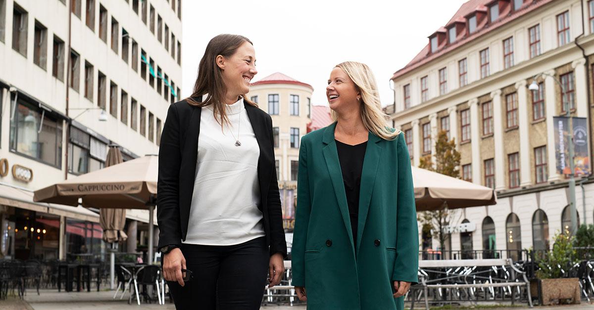 Lisa Augustsson-Hübner, operations team manager på STS i Göteborg, tillsammans med kollegan Sadie Champlin.